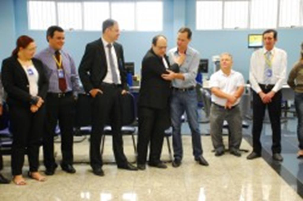 Prefeito prestigia posse de novo gerente do BB