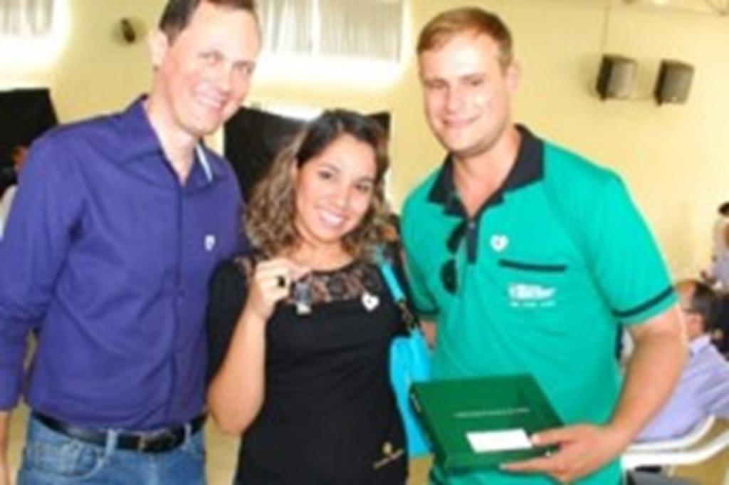 Prefeito Fábio participa de entregas de casas do Jardim América