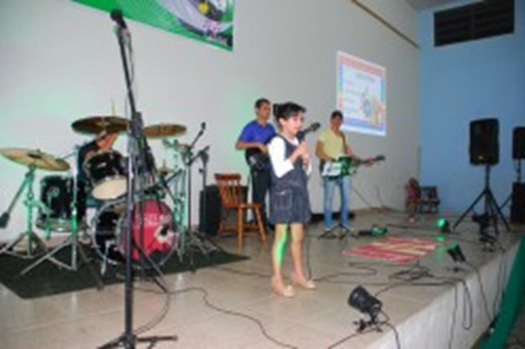 Escolas realizam festivais de música