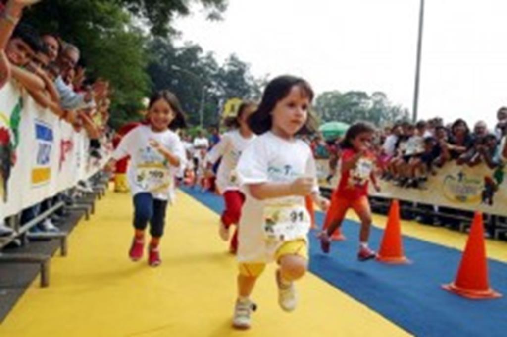 Programa Atletas na Escola realiza 2ª etapa hoje