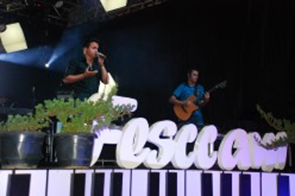 Primeira noite do FESCCAM teve ótimo público e show dos intérpretes
