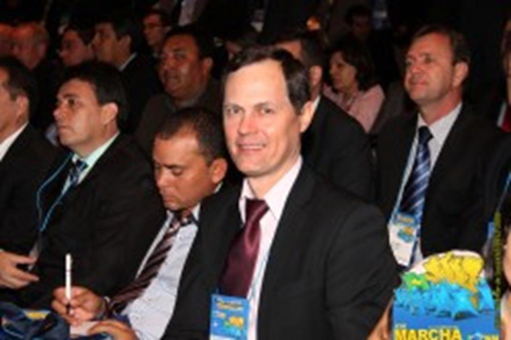 Prefeito Fábio lamenta vaias dirigidas à Presidente da República