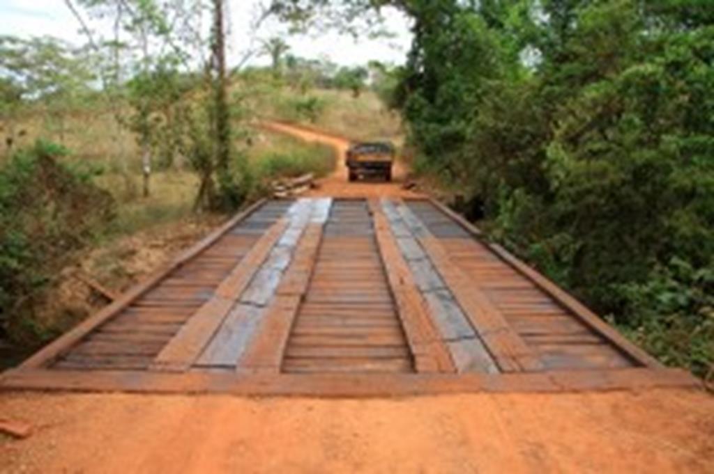 Prefeitura reforma ponte sobre o córrego Ponte Alta