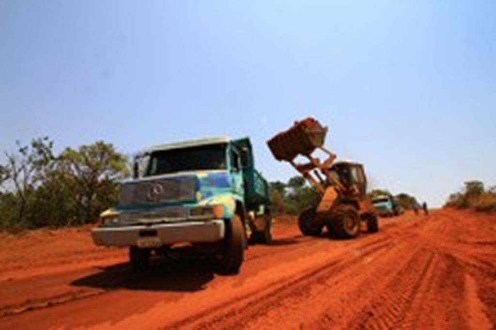 Prefeitura de Campo Verde recupera estradas na Vila União