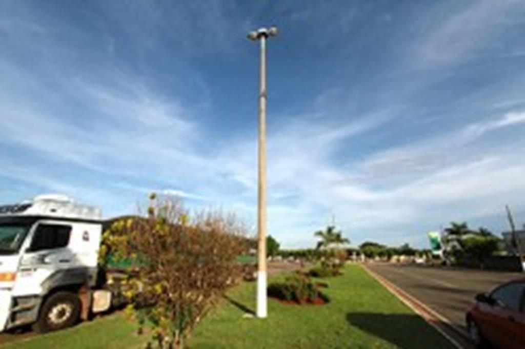 Falso eletricista furta fios da rede de iluminação pública