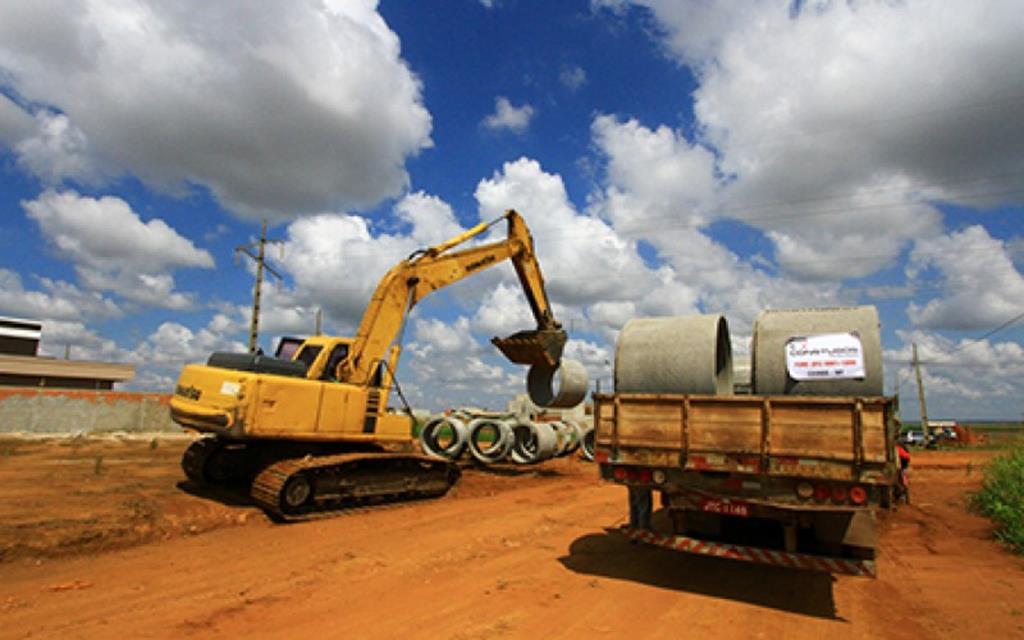 Obras de pavimentação e drenagem são iniciadas na avenida Mato Grosso