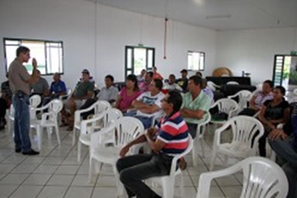 Produtores participam de curso sobre apicultura
