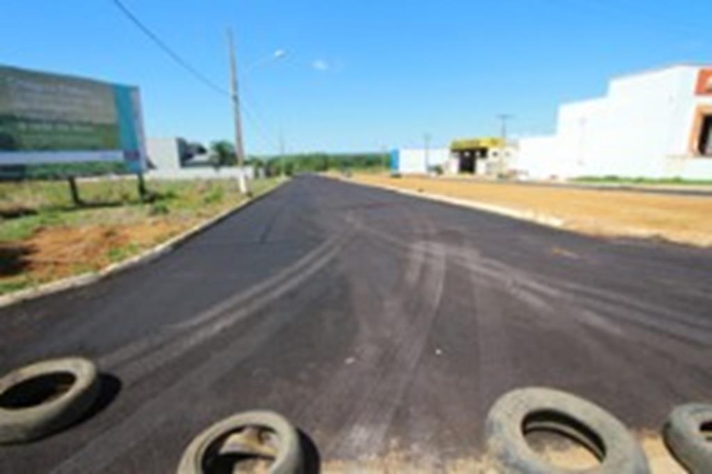 Trevo e avenida são recuperados com micro pavimento