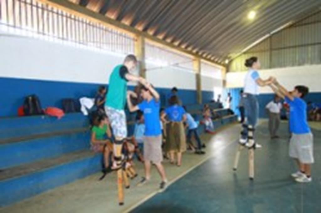 Cinearte Sarau realiza palestra e oficina com alunos de Campo Verde