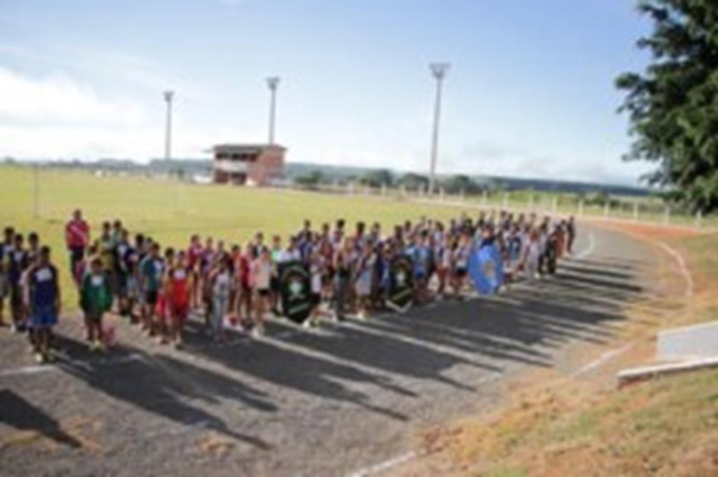 Alunos participam da fase municipal do Atleta na Escola