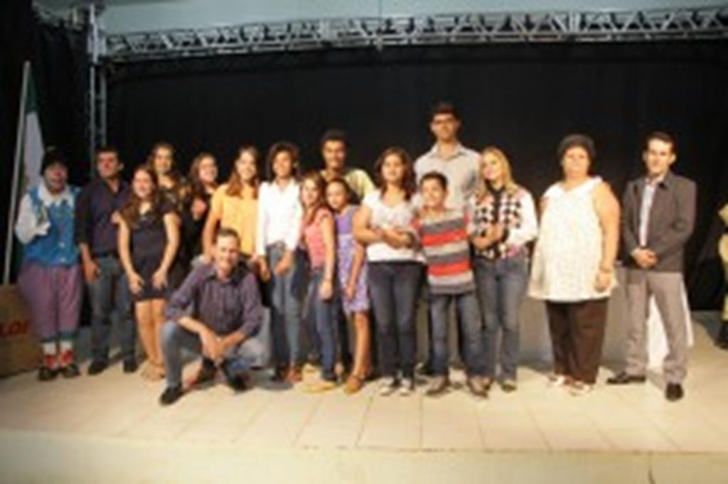 Aluna da Escola Monteiro é premiada na Etapa Estadual do FETRAN