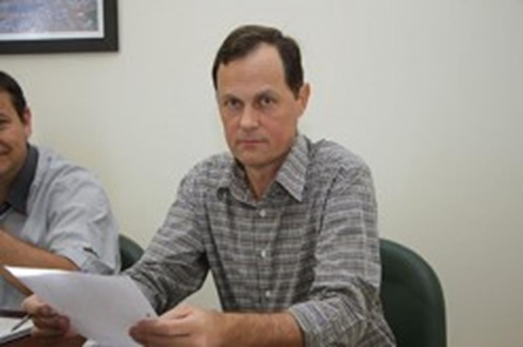 Prefeito assina convênio para implantação de drenagem no Recanto Bosque II