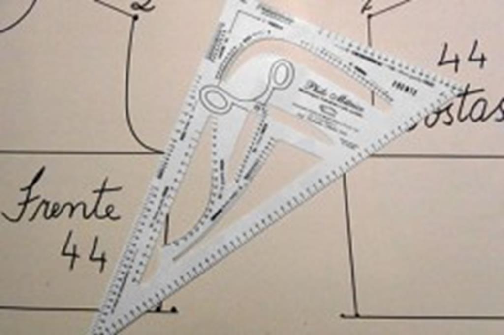 CRAS oferece curso de corte para costura com modelagem industrial