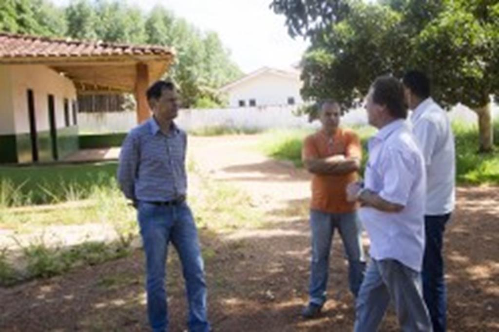 Prefeito visita Assentamento Santo Antônio da Fartura