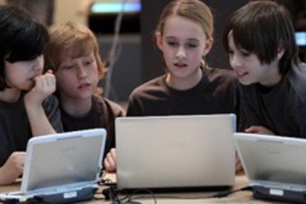 CRAS abre inscrições para curso de informática básica