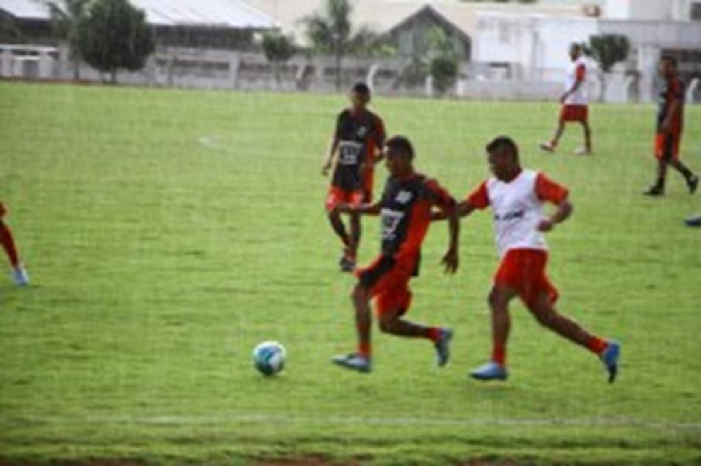 Terceira edição da Copa Interbairros começa com goleadas