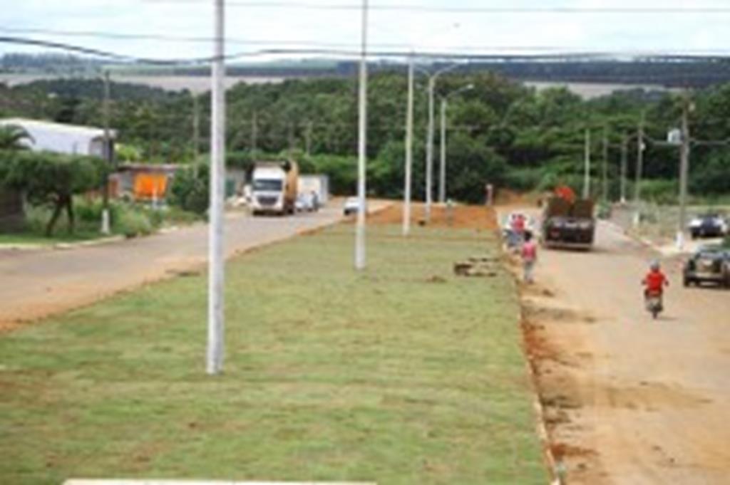 Prefeitura investe na urbanização da Avenida Santa Helena