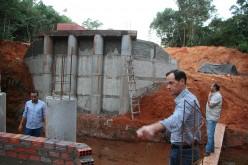 Prefeito Fábio visita obras de ponte na Serrinha