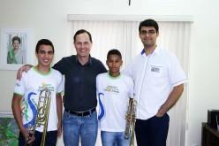 Alunos da OSJCV tocam com Orquestra de Cuiabá