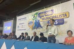 Fábio Schroeter representa municípios de MT em evento da CNM