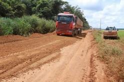 Prefeitura recupera estrada na região do Dom Ozório