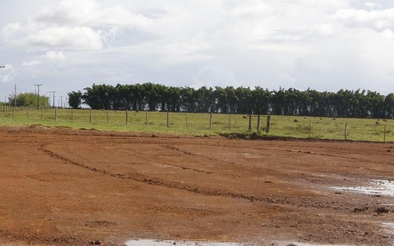 Prefeitura inicia construção de campo society no Limeira