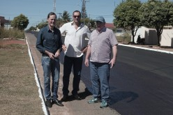 """Fábio e """"Nininho"""" vistoriam obras de recapeamento na região central"""