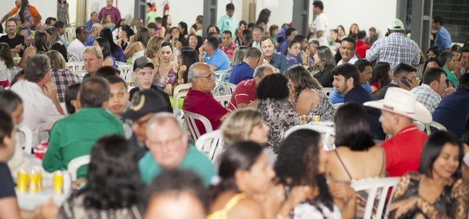 """Servidores Municipais comemoram """"Dia do Funcionário Público"""""""