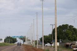 Prefeitura instala superpostes na rua Piranhaçu