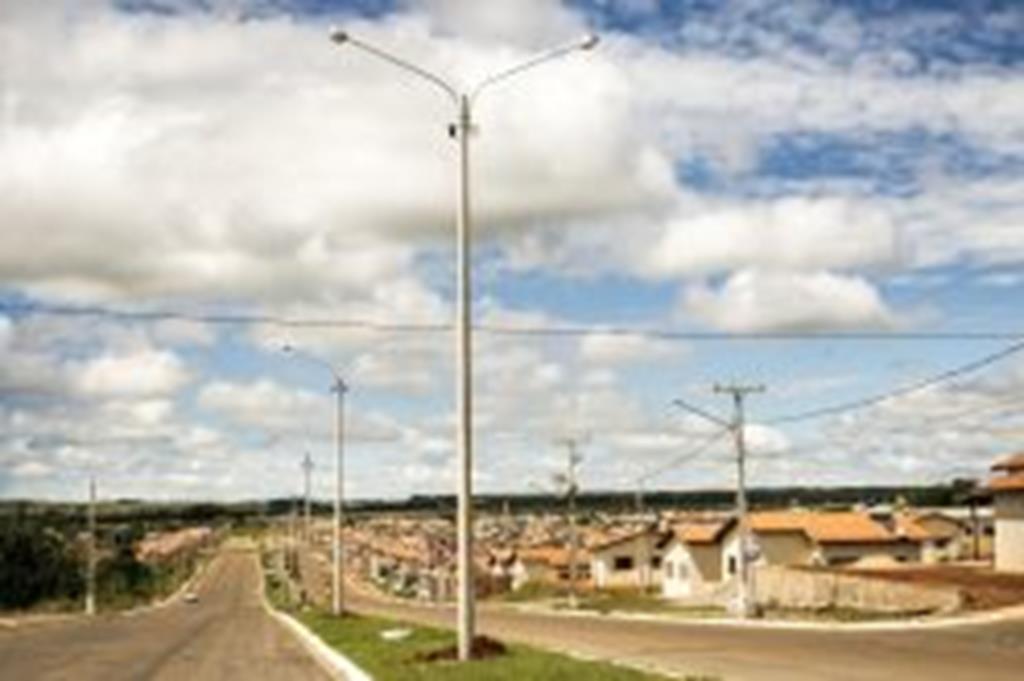Superpostes são instalados nas avenidas Beija-Flor e São Cristóvão