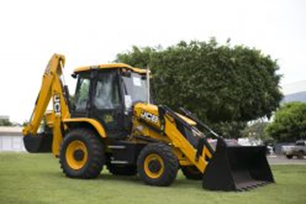 Prefeitura vai criar equipe exclusiva para limpeza de terrenos e recolhimento de entulhos
