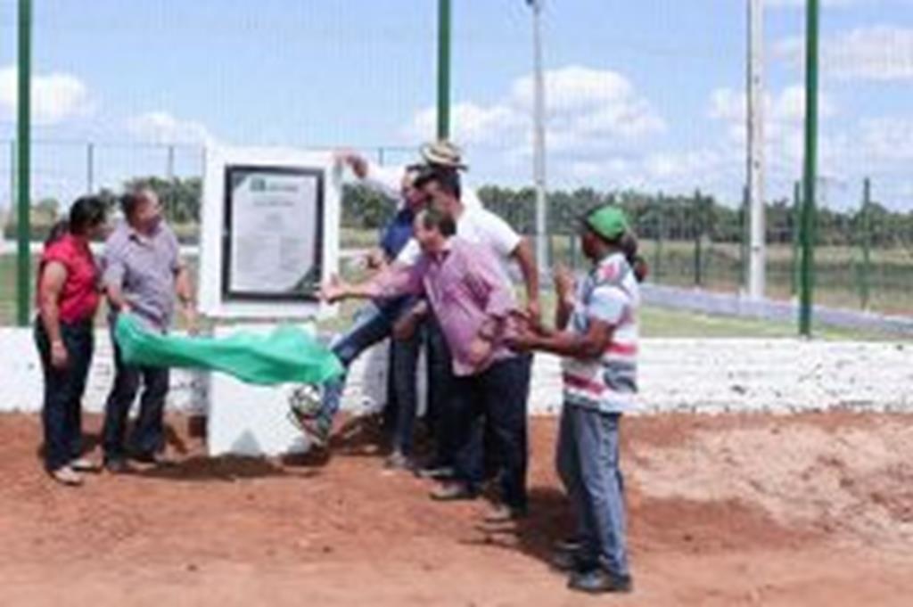 Campo de futebol é inaugurado no Limeira