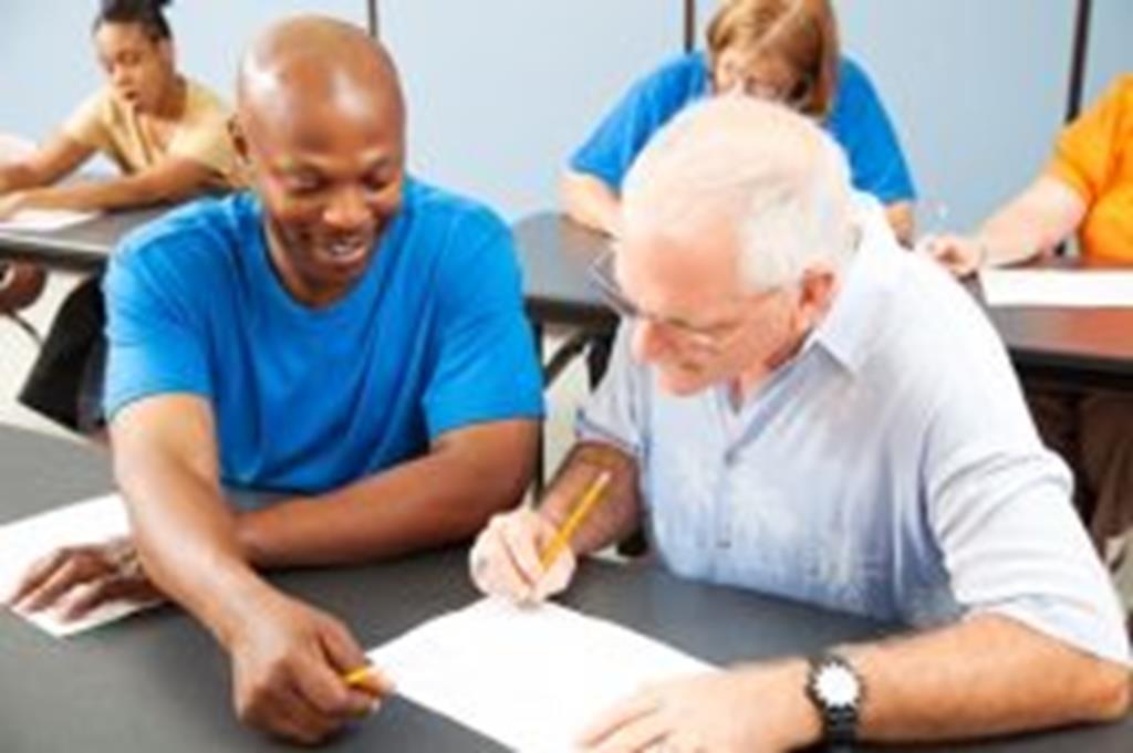 Campo Verde adere a programa de alfabetização de jovens e adultos e contratará educadores