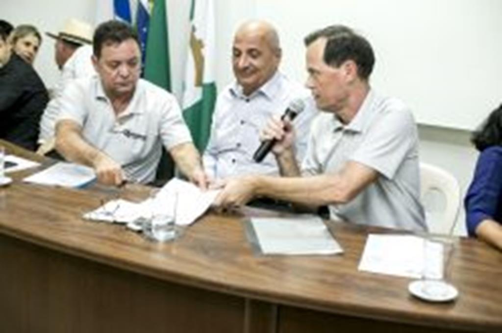 Prefeito pede apoio da AL para microrregionalização do Hospital Municipal Coração de Jesus