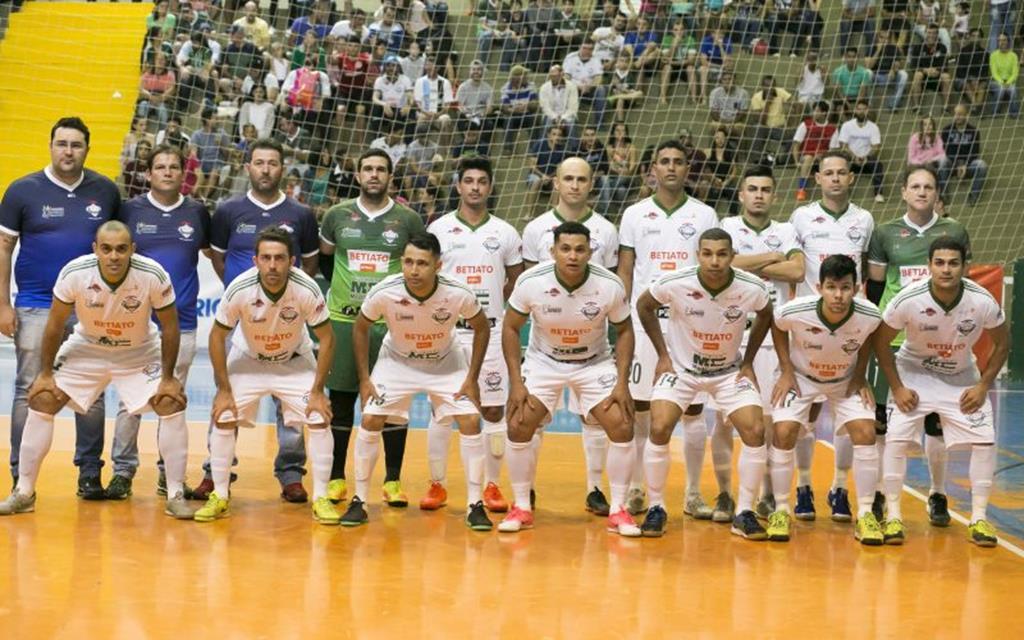 Campo Verde Futsal passa à próxima fase da Centro América