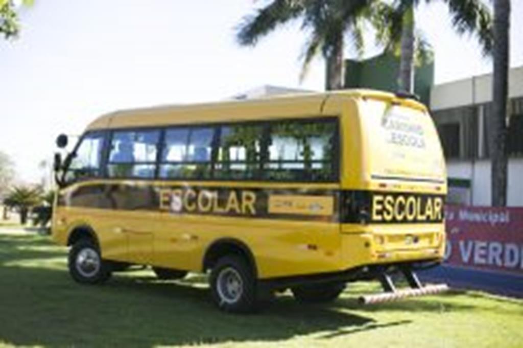 Campo Verde é contemplado com micro-ônibus pelo Governo Federal