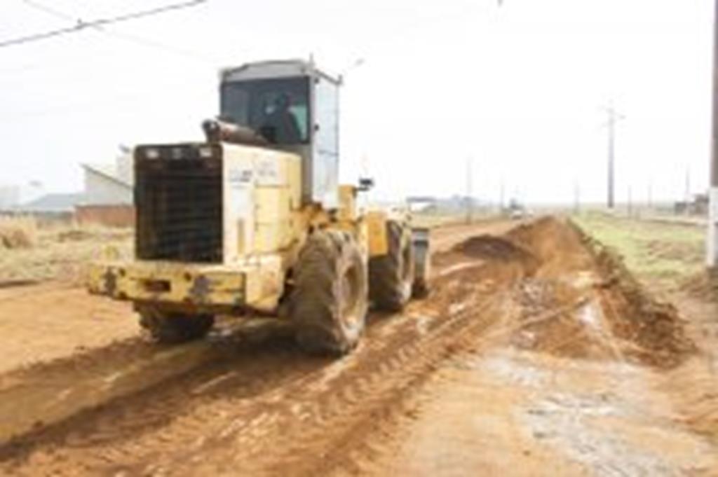Asfalto começa a ser construído na Campo Grande e na Marechal Rondon