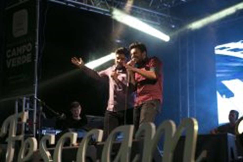 """Noite """"Sertaneja"""" teve o maior público do FESCCAM"""