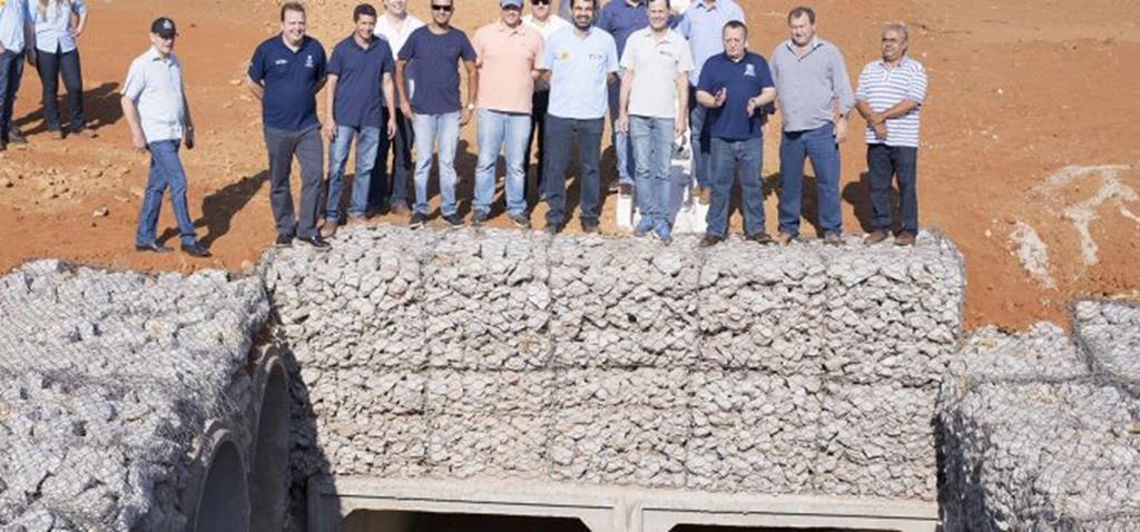 Governador visita Campo Verde e vistoria obra da MT-140