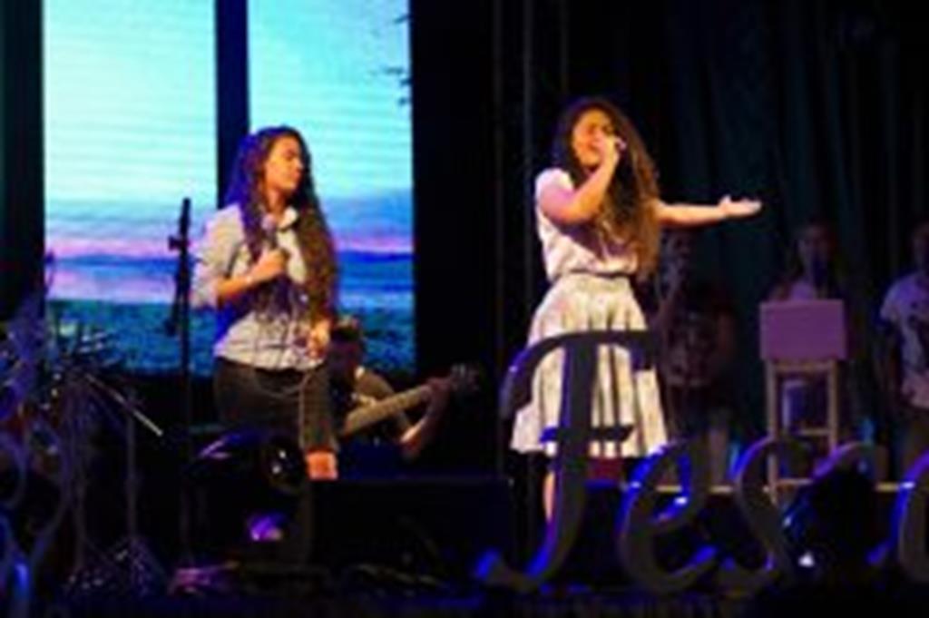 Primeira noite do FESCCAM teve muito talento e bom público