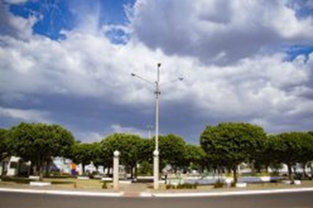 Praças recebem melhorias no sistema de iluminação