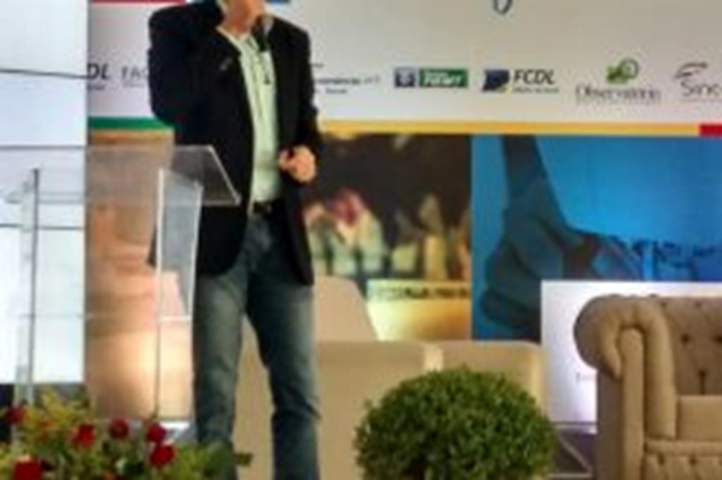 Prefeito Fábio apresenta Programa Licita Campo Verde em Cáceres