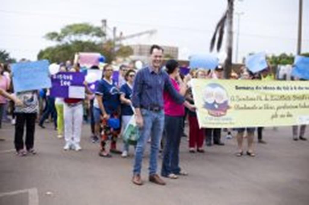 Durante abertura da Semana do Idoso, prefeito anuncia compra de ônibus para a 3ª Idade