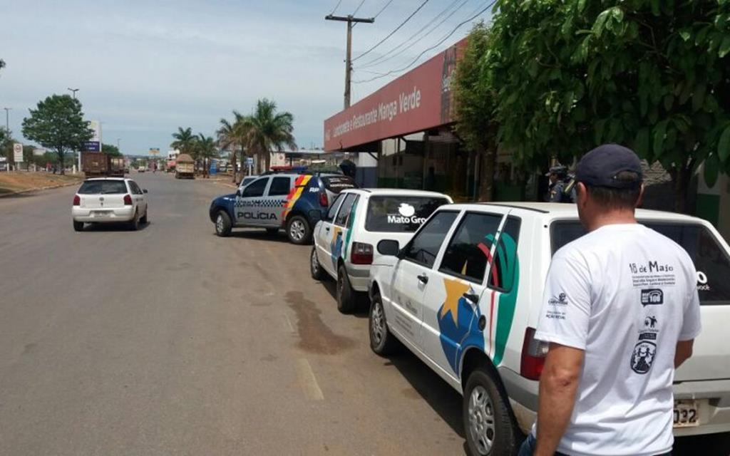 Assistência Social e Igreja Nossa Senhora de Fátima desenvolvem ações com pessoas em situação de rua