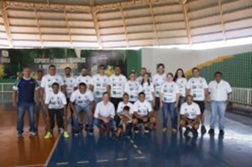 Prefeito destaca trabalho dos servidores da SEMEL na realização do jogo entre Brasil e Costa Rica