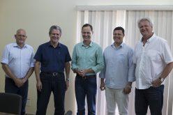 Ex-prefeito de Maringá visita prefeito Fábio Schroeter, fala de suas experiências administrativas e destaca o planejamento urbano de Campo Verde