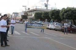 """Campanha """"Não dê esmola, promova cidadania"""" é iniciada em Campo Verde"""