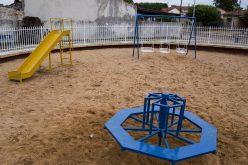 Praça das Crianças ganha brinquedos novos