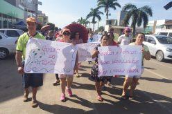 """Na """"Semana do Idoso"""", idosos de Campo Verde participam de caminhada e de atividades na praça"""