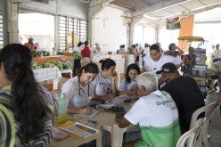 Saúde leva orientação alimentar a consumidores e comerciantes da Feira Livre Municipal